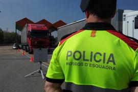 Detenido un camionero ebrio que zigzagueaba por una autopista de Girona