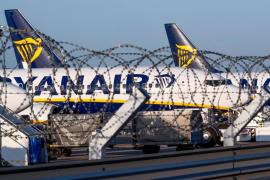 Ryanair cancela 190 vuelos para este viernes por la huelga de tripulantes