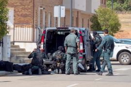 Despliegue de la Guardia Civil en una localidad de Cuenca ante un atrincherado
