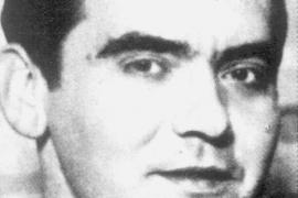 Condenado a un año de prisión el tuitero que justificó la muerte de Federico García Lorca por «maricón»