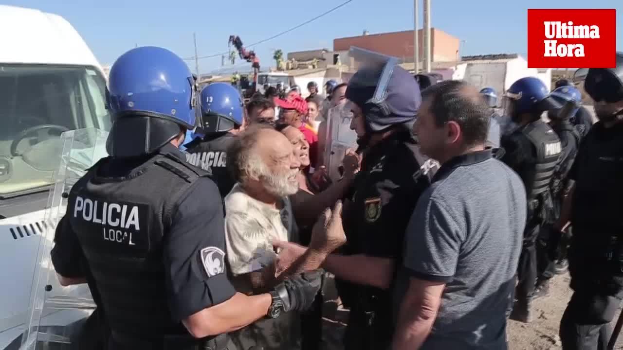 Suspenden el derribo de Son Banya por agresiones a técnicos, policías y personal de Cort