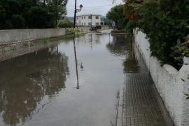 Los vecinos del Corral d'En Bennàssar y Sa Marina de Alcúdia se quejan por el mal estado de las calles