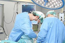 Casi 900 personas esperan desde hace medio año una operación