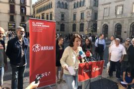 Entidades independentistas apoyan ocupar la plaza Sant Jaume para evitar que entren los policías