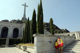 Podemos propone derribar la cruz del Valle de los Caídos y exhumar a Primo de Rivera