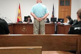 Dos años y ocho meses de cárcel por agredir a quien se ponía en su camino