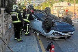 Hospitalizado un conductor ebrio tras provocar un accidente con vuelco en Santa Ponça