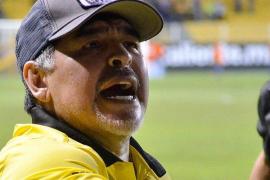 Maradona pide a Messi que se retire de la selección y carga contra Scaloni