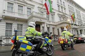 Cameron cierra la Embajada en Teherán y expulsa de Londres a la diplomacia iraní