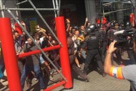 Los disturbios en Barcelona en el aniversario del 1-O dejan 43 heridos leves
