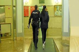 La joven que apuñaló a un hombre en Son Castelló afirma que lo hizo con un cortaúñas