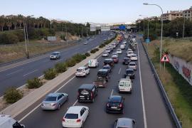 Nuevo atasco kilométrico por un choque en cadena en la Vía de Cintura de Palma