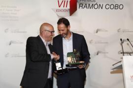 Vicente Moreno recibe el premio Ramón Cobo
