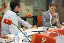 Rivera pide explicaciones a Celaá sobre su chalé de millón y medio