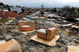 Indonesia eleva a 1.424 los fallecidos por la tragedia y busca a un millar de desaparecidos