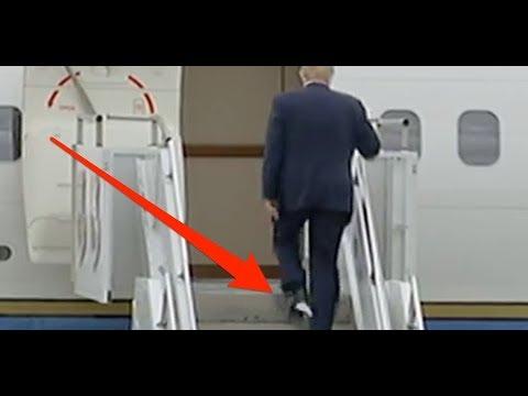Donald Trump se sube al avión presidencial con papel higiénico pegado al zapato
