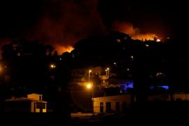Más de 750 bomberos combaten un incendio de grandes dimensiones en Portugal