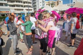 La marcha contra el cáncer de mama, en imágenes (Fotos: Mohamed Chendri)