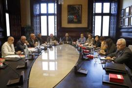 Los letrados del Parlament de Cataluña alertan de que los votos delegados de JxCat podrían no ser válidos