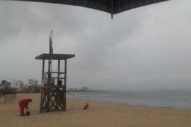 Las tormentas obligan a espaciar los aterrizajes en el aeropuerto de Palma