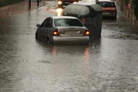Inundaciones en las calles de la Colònia de Sant Jordi
