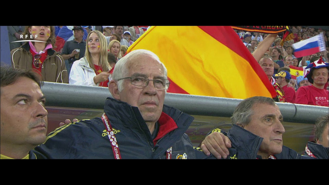 La Federación homenajea a Luis Aragonés