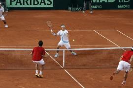 El dobles de Argentina deja la final abierta para la tercera jornada