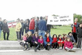 Padres, madres y alumnos exigen la inmediata construcción del nuevo instituto