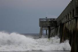 El huracán 'Michael' alcanza la categoría 3 en su avance hacia Florida