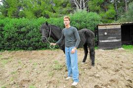 El dueño del caballo rescatado en Andratx agradece la ayuda recibida