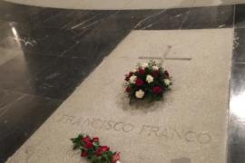 El Gobierno podrá abordar a finales de octubre con el Vaticano la exhumación de los restos de Franco