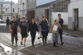 La riada solidaria amenaza con anegar Sant Llorenç