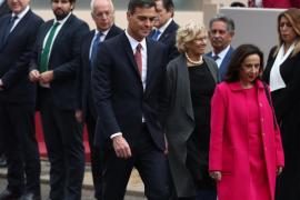 Sánchez, recibido con pitos y abucheos a su llegada al desfile del 12 de Octubre