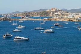Ibiza está a la cabeza como el puerto deportivo con más actividad de chárter náutico de España