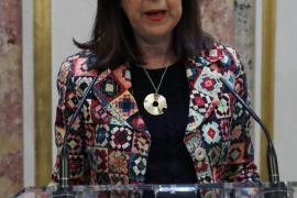 Margarita Robles considera que los insultos y abucheos a Sánchez son una «falta de respeto»