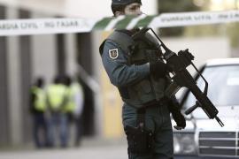 Un hombre se atrinchera durante 8 horas con sus cuatro hijos en Abanilla, Murcia