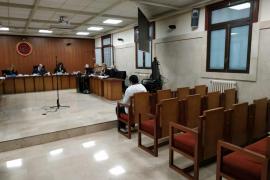 El acusado de abusar de la hija de su novia en Palma dice que la niña se lo inventó todo