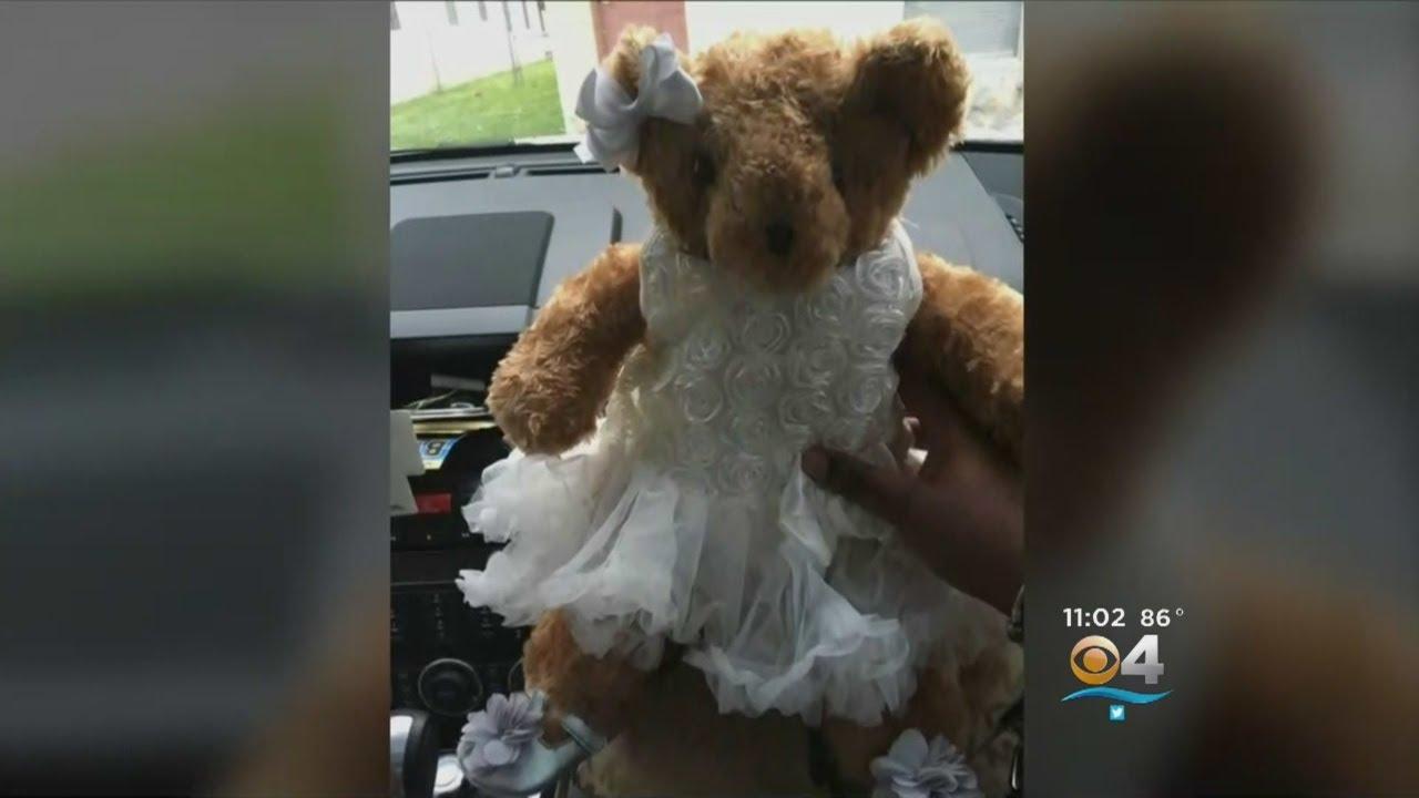 Una madre pide que le devuelvan un osito robado porque contiene las cenizas de su hija