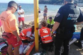 Reaniman a un hombre en la playa de Magaluf