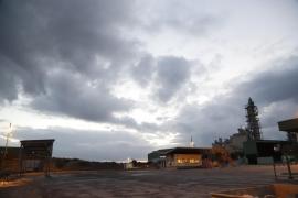 El Govern balear emplaza a Cemex y a sindicatos a una reunión para evitar el cierre de la planta de Lloseta