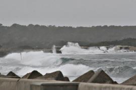 Cancelan algunas clases en Formentera y cierran instalaciones municipales ante la alerta por fuertes tormentas