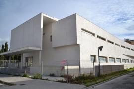 El Govern firma con Manacor y el Consell de Mallorca el convenio para la ampliación del CEIP Simó Ballester