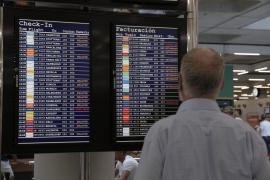 La gota fría retrasa más de 400 vuelos en Son Sant Joan