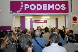 El número de aspirantes no basta para llenar las listas de Podemos