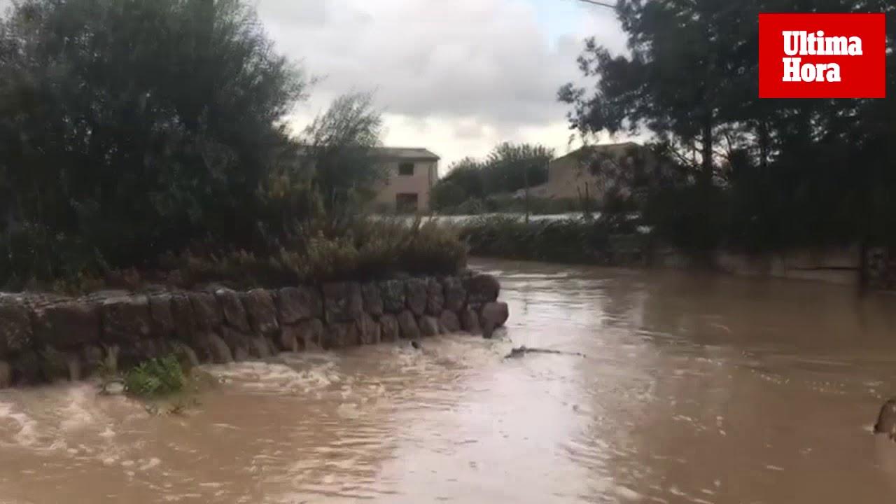 Carreteras inundadas en este viernes de lluvia y alerta en Mallorca