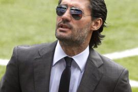 El exfutbolista José Luis Pérez Caminero se enfrenta a cuatro años de cárcel por blanqueo de capital