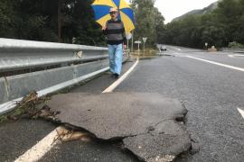 Reabren las carreteras cortadas por la lluvia este viernes y algunas vías registran retenciones