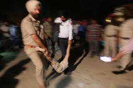 Numerosos fallecidos tras arrollar un tren a una multitud durante una festividad religiosa en la India