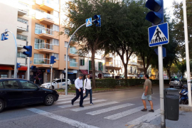 Nuevos báculos lumínicos mejorarán la seguridad de los peatones en la calle de Manacor
