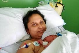 Emotiva historia de amor maternal en la UCI de Son Llàtzer